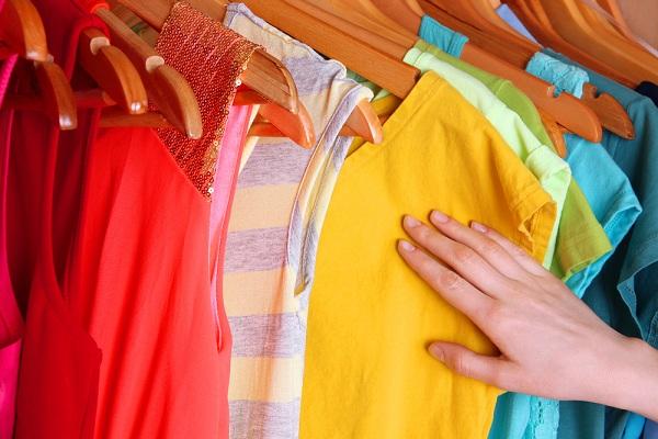 شستن لباس های رنگی و روشن