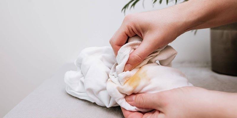 رفع لکههای ناشی از دارو از روی لباس